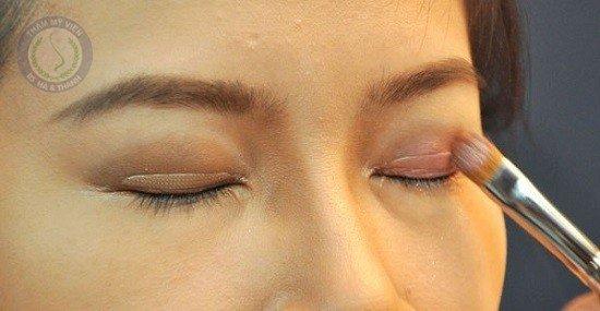 keo kích mí mắt giúp tạo mắt 2 mí