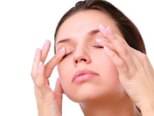 Massage mắt đúng cách giúp bảo vệ mắt